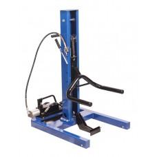 Car lift pneumohydraulic 1.5T (max lifting height - 750mm, min pickup height 50mm, leg height -1100m